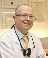 Dr Hugo Ciaburro prosthodontiste à Montréal